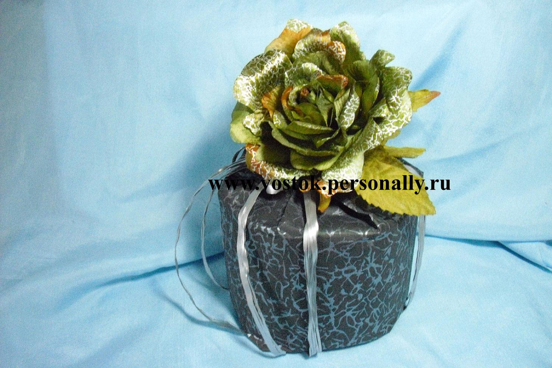 Упаковка подарка цилиндрической формы 89